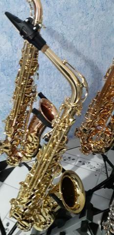 Sax alto novinho lindo muito bom pra iniciantes macio de tocar - Foto 3