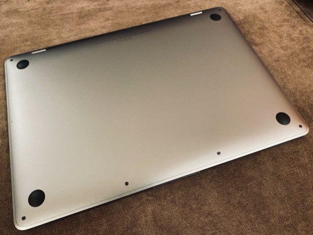 "Macbook Pro 2019 13.3"" i5 128GB ssd Extras Teclado PT Touchbar Top - Foto 4"