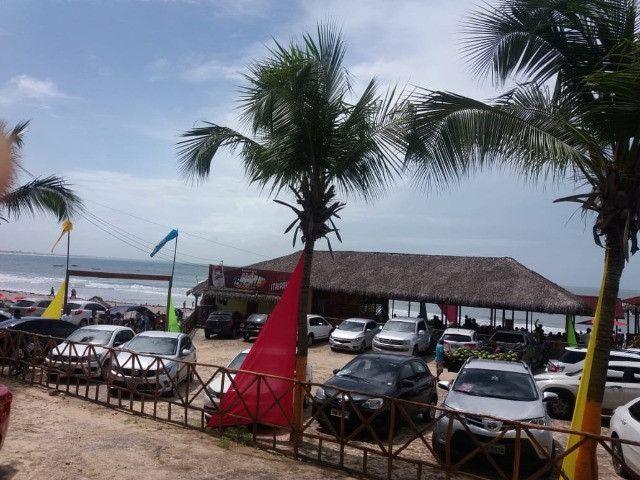 Vendo flat na frente da praia do coqueiro - Foto 15