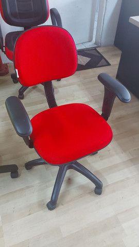 Cadeira giratória com braço  - Foto 3