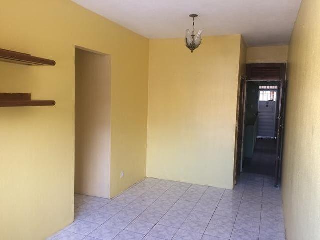 Apartamento com 3 dormitórios para alugar, 65 m² por R$ 1.050,00/mês - Damas - Fortaleza/C - Foto 3