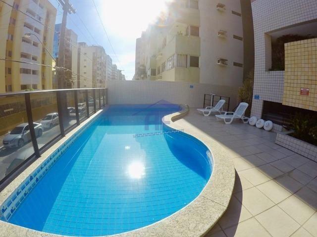 Apartamento quarto e sala, prédio com piscina - Edifício Cadore - Ponta Verde