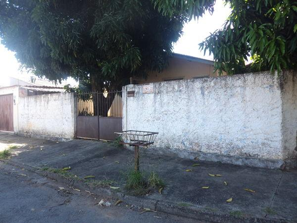 Casa  com 3 quartos - Bairro Setor Centro Oeste em Goiânia