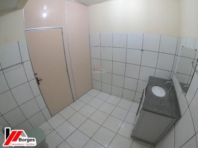 Casa com 03 Quartos na Rua Ruy Barbosa - Foto 9