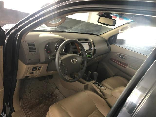 Toyota HILUX SW4 SRV D4-D 4x4 3.0 TDI DIESEL AT 2010 - Foto 6