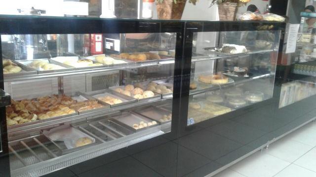 Montagem de lanchonete, vitrines refrigeradas e estufas.Projeto/vendas