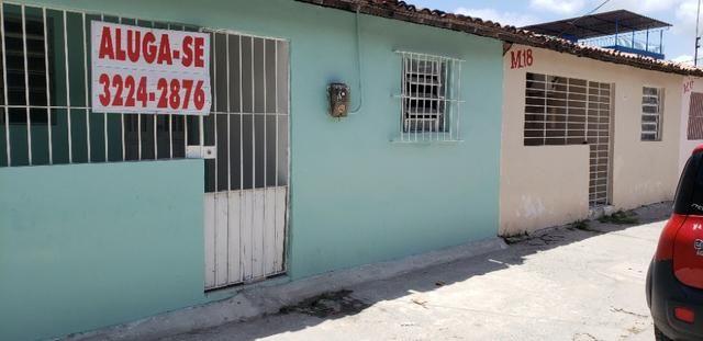 Casas de 3 quartos em Prazres em frente ao Metrô e mercado da mangueira na est da Batalha
