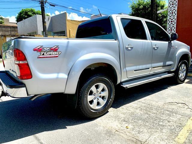 Toyota Hilux SR 15/15 pneus novos Completa!!! - Foto 4