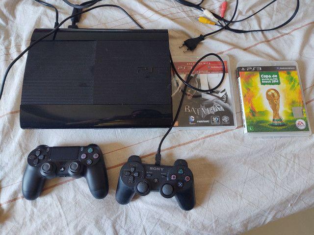 Vendo PS3 super Slim e mais 3 jogos ORIGINAIS, pouco uso.