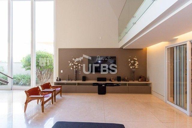 Moderno sobrado de luxo no Alphaville Araguaia, com 442 m² e 4 suítes, com lazer completo - Foto 4