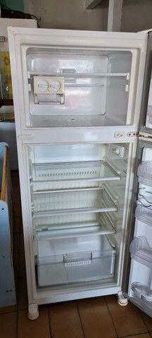 Geladeira dúplex 440 litros Brastemp degelo seco - ENTREGO  - Foto 3