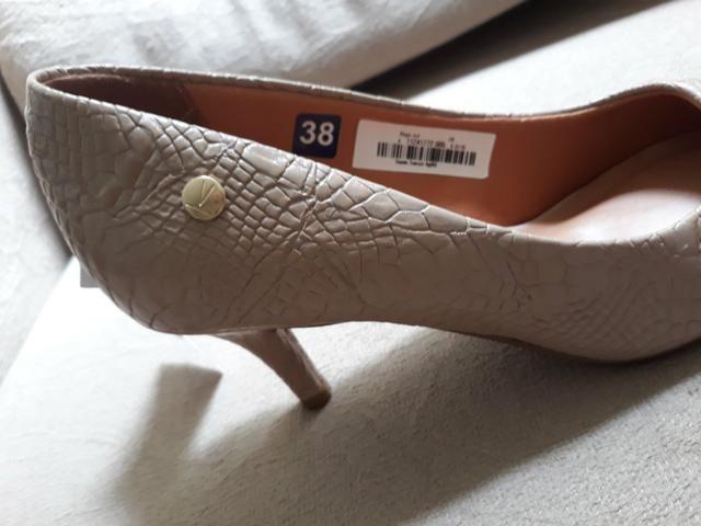 ace3f3be30 PROMOÇÃO!! Lindo Sapato Feminino Nude VIZZANO Tamanho 38 - NOVO COM ETIQUETA !