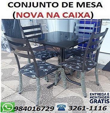 (Entrego e Monto)Lindo Conjunto de Mesa 4 Cadeiras Nova Apenas 350,00