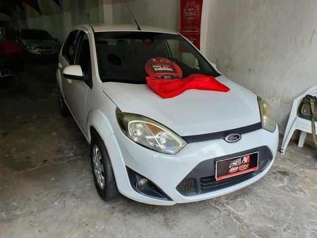 Fiesta Sedan 2013 1.6 1 mil de entrada Aércio Veículos frv