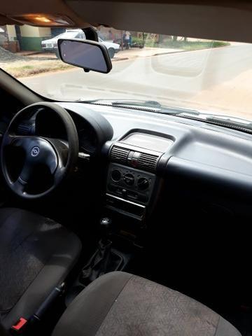 Corsa sedan 2004 básico - Foto 2