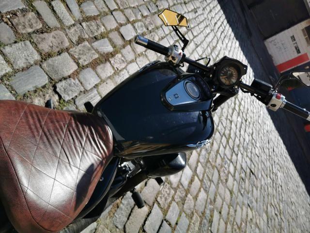 Moto Boulevard 800 ano 2011 com 38 mil km estilo Bobber - Foto 3