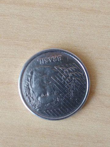 3  Moedas  Reverso Raras de 10 centavos 2001 e 2008 e 1994 reverso invertido - Foto 6