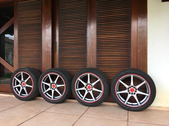 """jogo de rodas R18x7,5"""" multi-furos com pneus - Foto 3"""