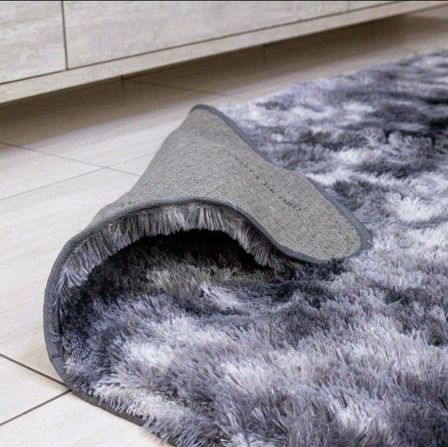 Tapetes peludinhos e aconchegantes para sua casa - Foto 5