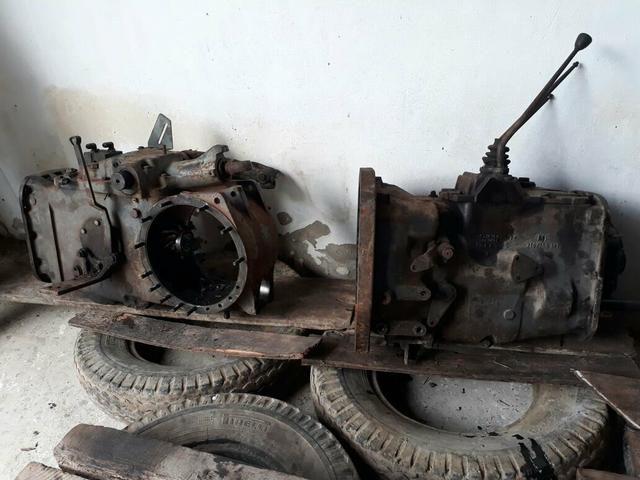 Vendo motor e caixa do trator massey Ferguson 6 cilindros