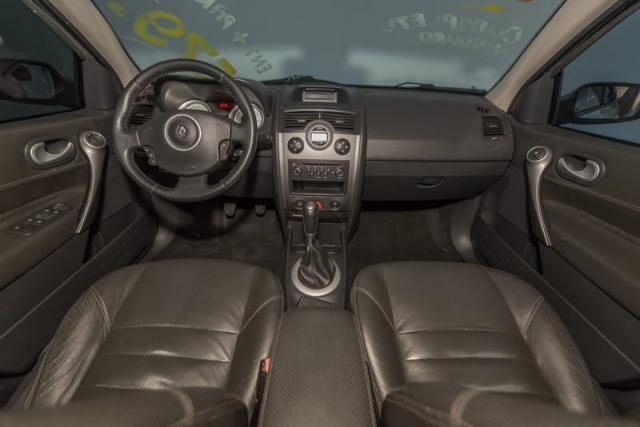 Renault Megane Sedã Dynamique - 1.6 16v(Hi-Flex) 4p 2011 - Foto 5