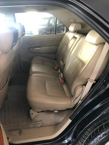 Toyota HILUX SW4 SRV D4-D 4x4 3.0 TDI DIESEL AT 2010 - Foto 5