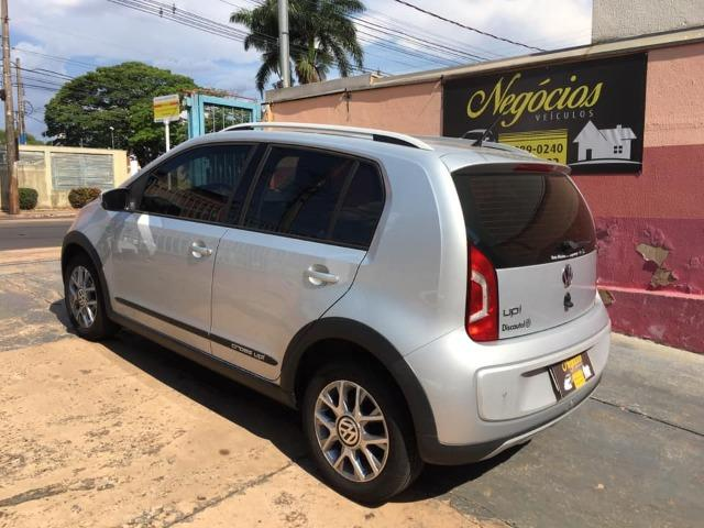 VW Up! Cross 1.0 12v 2015/2016 (Segundo dono com 43.000 km) - Foto 6
