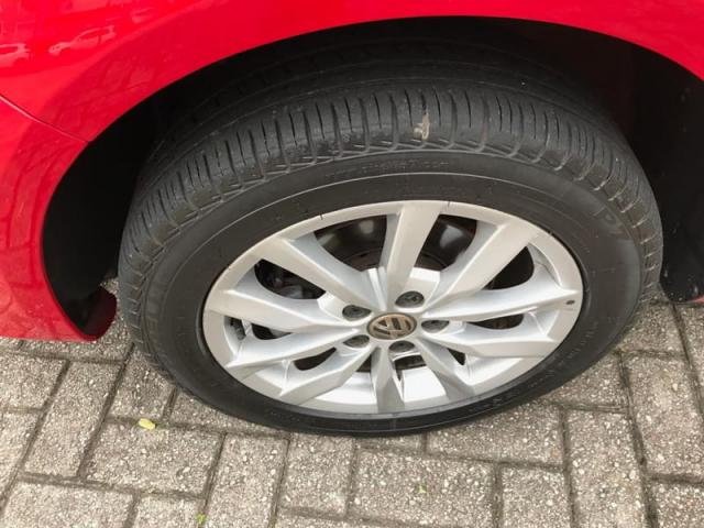 Volkswagen Fox 1.0 8V (G2) (KIT-VII) 4P 2014 - Foto 10
