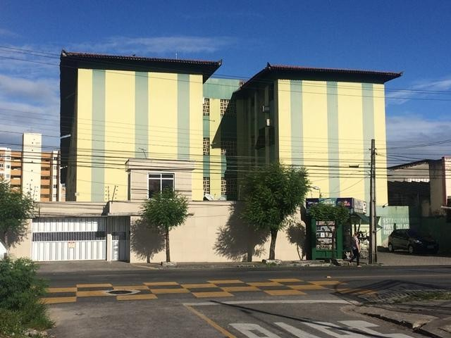 Apartamento com 3 dormitórios para alugar, 65 m² por R$ 1.050,00/mês - Damas - Fortaleza/C