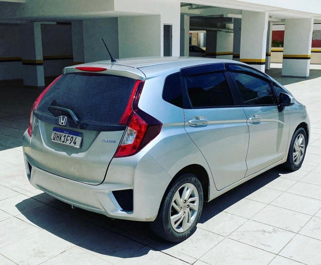 Honda New Fit 1.5 LX automático 2015 - Foto 4
