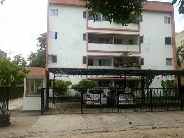 Apartamento no Cordeiro R$ 200 mil