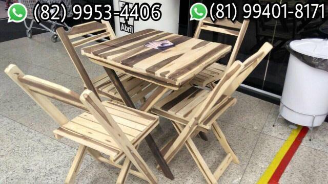 Mesas e cadeiras de madeira dobráveis CONFERE