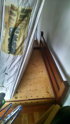 Cama de mogno + colchão