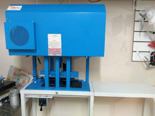 b1a16782a Maquina automatica de fabricar chinelos compacta print ...