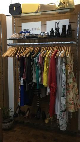 Vendo ou Troco Arara loja de roupa madeira e vidro (PROMOÇÃO) - Foto 4