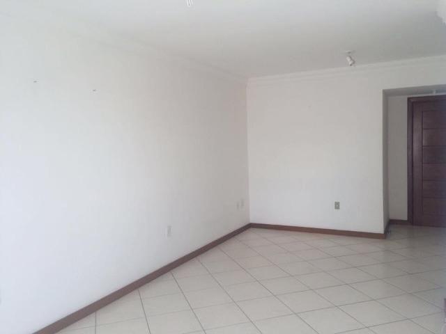 3 quartos com suíte, 2 vagas, prédio de frente para o mar de Itaparica! * - Foto 8