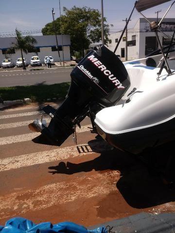 Lancha 19 Pes Motor Mercury Optimax 135HP 125 Horas - Foto 20