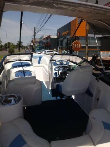 Lancha 19 Pes Motor Mercury Optimax 135HP 125 Horas - Foto 14