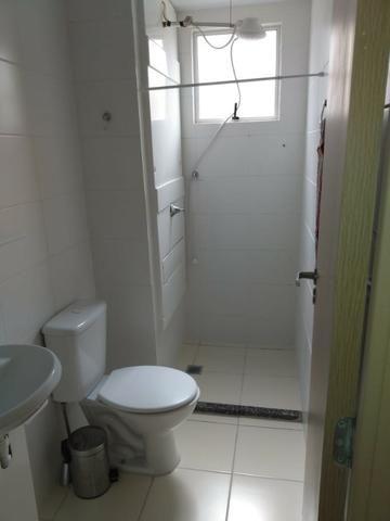 Incluso Internet, dois quartos com garagem, port 24 hrs - Foto 6