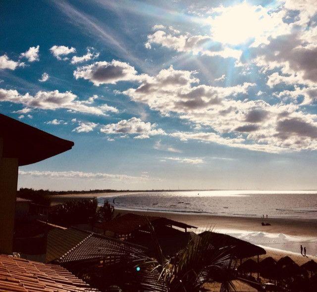 Vendo flat na frente da praia do coqueiro - Foto 17