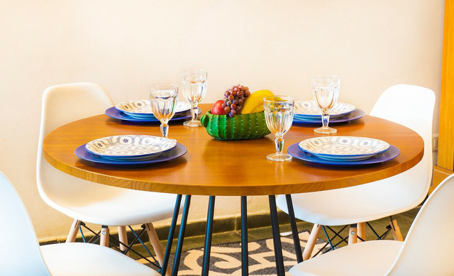 Mesa redonda estilo industrial + 4 cadeiras  - Foto 6