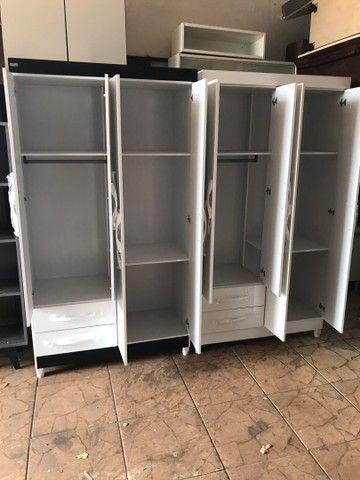 Guarda roupas 4 portas 2 gavetas novo entrego e monto  - Foto 3