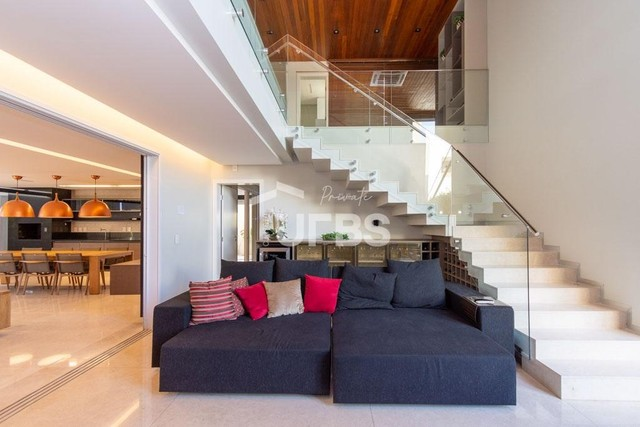 Moderno sobrado de luxo no Alphaville Araguaia, com 442 m² e 4 suítes, com lazer completo - Foto 3
