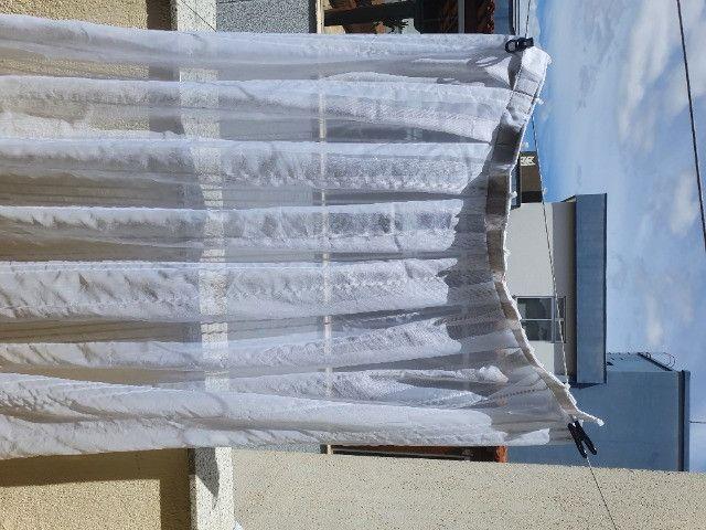 Cortina para trilho 78,0 x 1,97cm  Voil  -São duas , usadas em ótimo estado - Foto 2