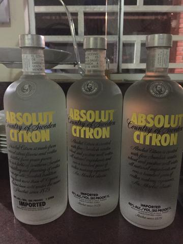 Vende-se Absolut Citron lacrada 1 litro