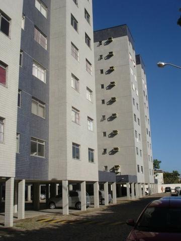Apartamento condomínio polinésia