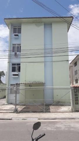 Edifício Adriano, apartamento no Farol, 3 quartos, 81 m2, com varanda