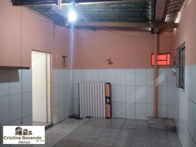 Alugo execelnte sala comercial no Pereque Mirim