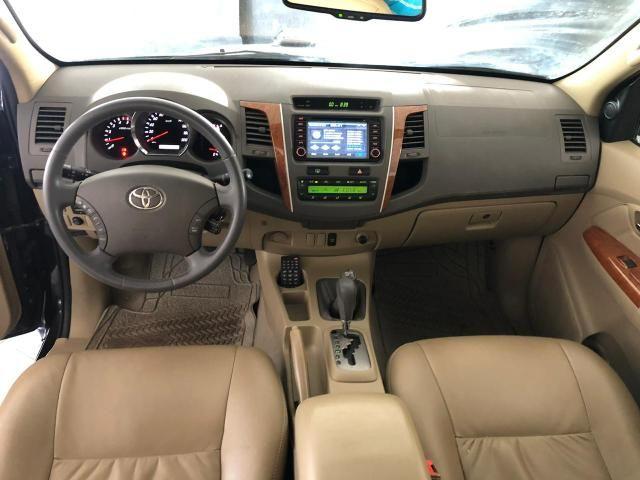 Toyota HILUX SW4 SRV D4-D 4x4 3.0 TDI DIESEL AT 2010 - Foto 8