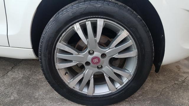 Vende-se Fiat Palio Essence Branco Modelo 2013 - Foto 11